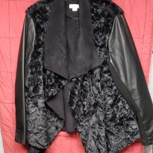 Womens jacket faux leather & fur.